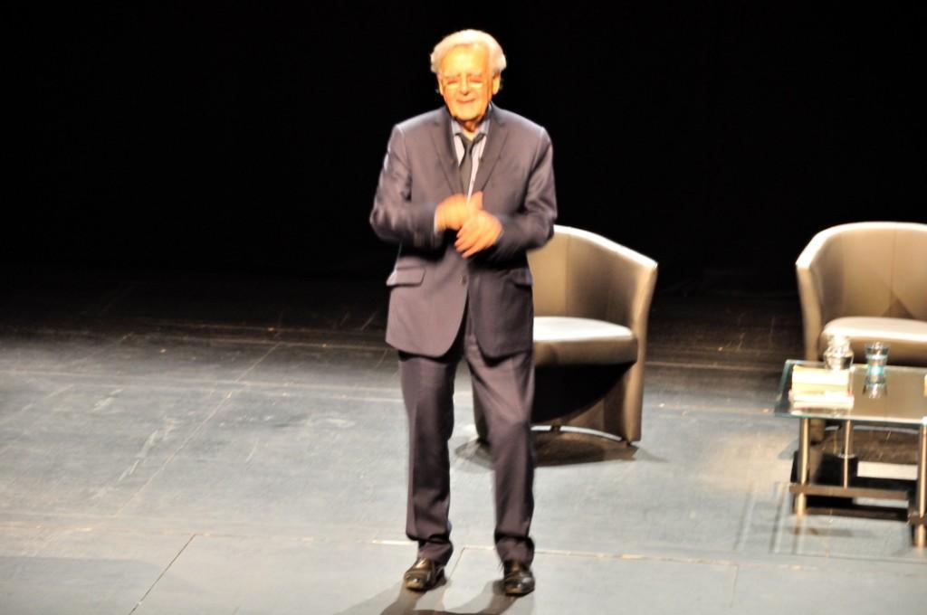 Bernard Pivot sur scene